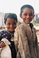 Ektar 100 / 24x36 / Children - Somewhere between Ahmedabad and Udaipur